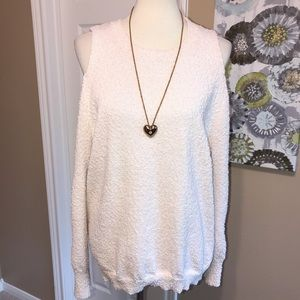 Umgee Cold shoulder open arm sweater size small ♥️